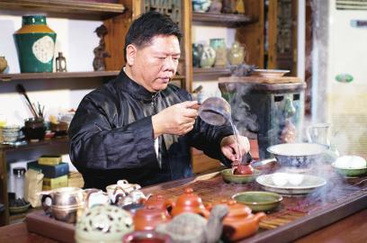 叶汉钟:传统而不保守喝茶是快乐的事儿