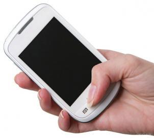 """手机模型竟成学生""""顶包神器"""""""
