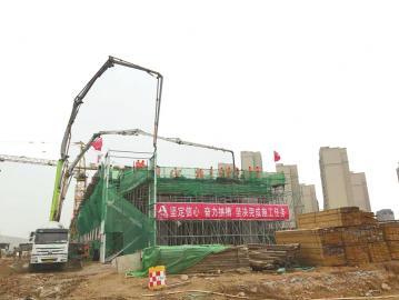 济青高速改扩建工程又克难关 华山高架桥右幅现浇箱梁顺利浇筑