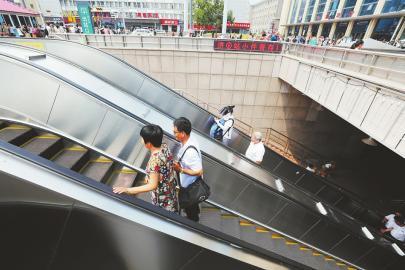 省劲了!济南火车站出口新增扶梯启用