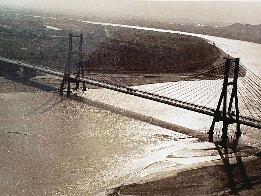 一桥架两岸通 济南黄河大桥聆听黄河涛涛 见证泉城蝶变