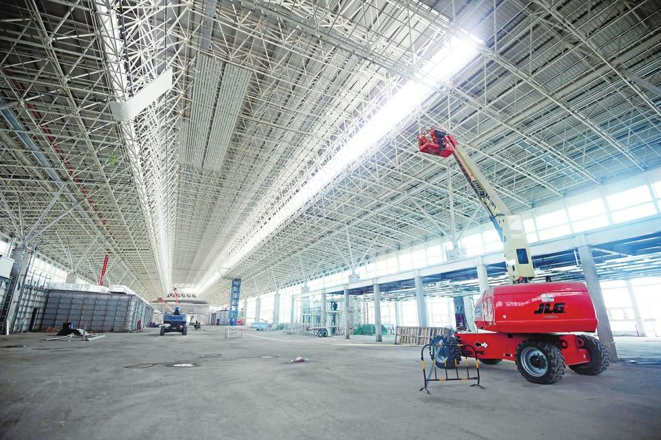 济南国际机场航站区扩建北指廊工程主体结构完工