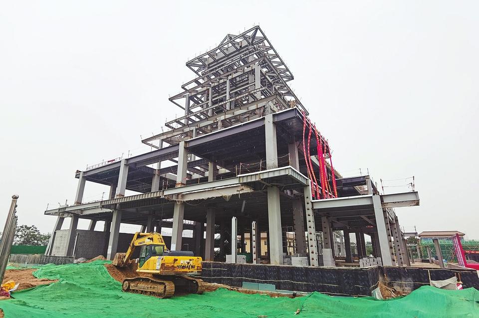济南黄河文化传承基地建设提升工程钢结构封顶 将成眺望黄河绝佳位置